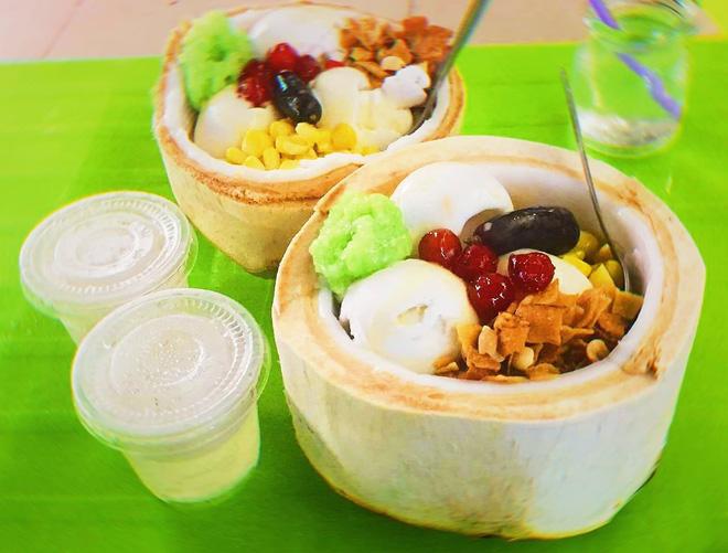 """Kem trái dừa bỗng trở nên """"hót hòn họt"""" trong giới sành ăn, bạn đã biết địa chỉ món này ở Sài Gòn chưa? - Ảnh 8."""