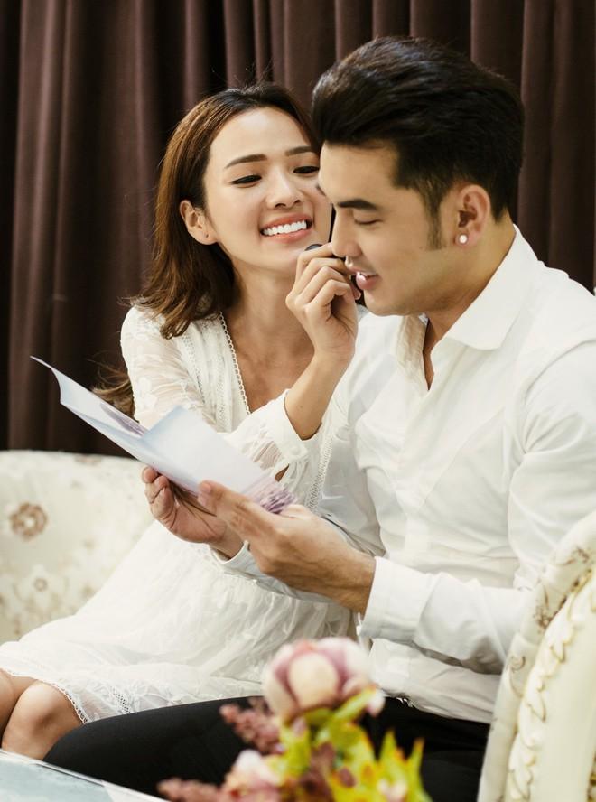 Ưng Hoàng Phúc - Kim Cương tự tay viết thiệp cưới, chuẩn bị cho ngày trọng đại vào 1/12 tới - Ảnh 5.