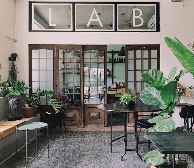 3 quán cà phê theo phong cách industrial tại Sài Gòn: Vừa lên hình đẹp, vừa có nhiều món nước ngon rất đáng thử! - Ảnh 9.