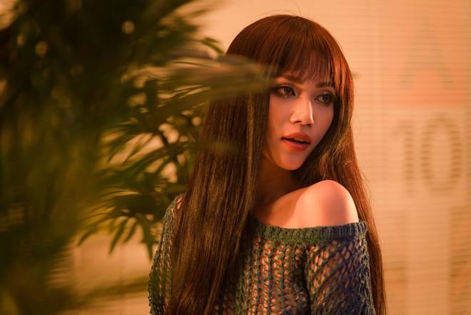 """Sĩ Thanh làm MV theo mô-tuýp phim """"Tình yêu không có lỗi, lỗi ở bạn thân"""" - Ảnh 2."""