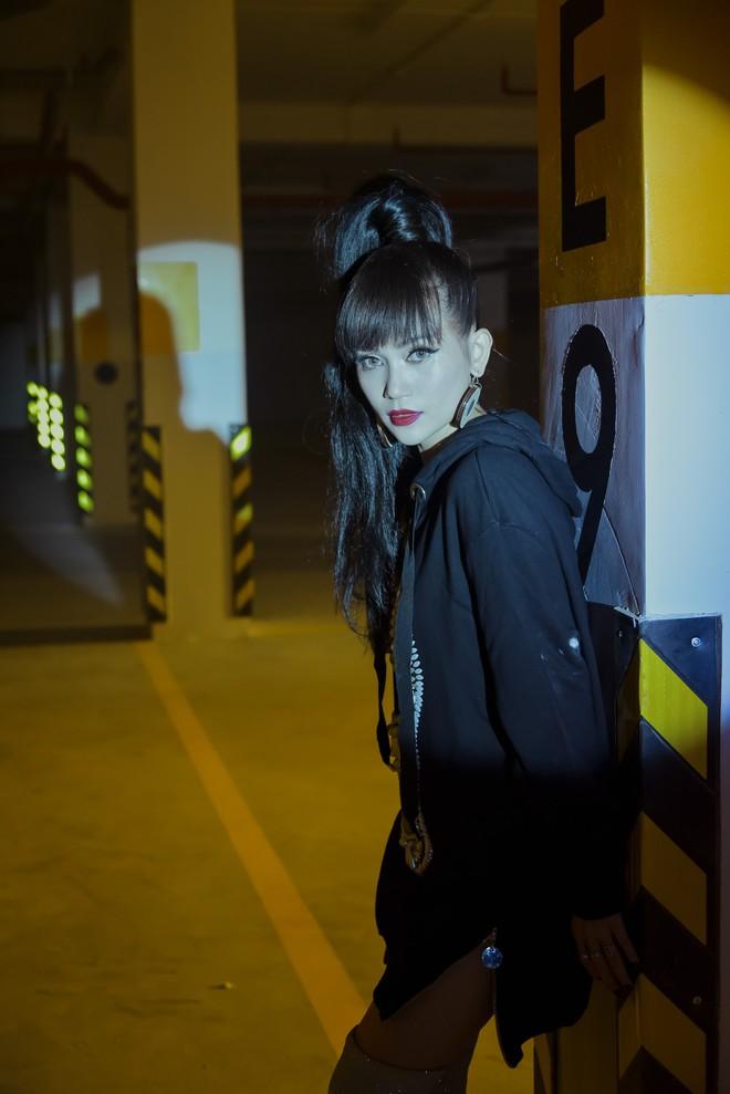 """Sĩ Thanh làm MV theo mô-tuýp phim """"Tình yêu không có lỗi, lỗi ở bạn thân"""" - Ảnh 3."""
