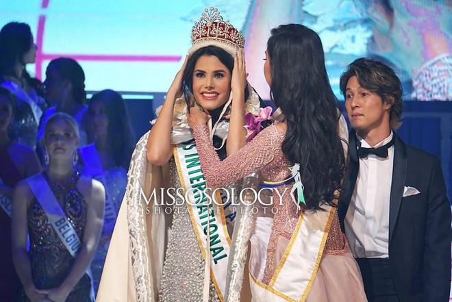 Hoa hậu quốc tế 2018: Tân hoa hậu người Venezuela 18 tuổi đăng quang - Ảnh 1.