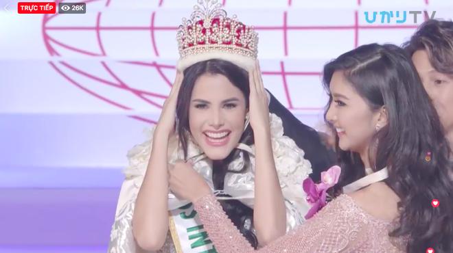 Venezuela đăng quang, đại diện Việt Nam trắng tay sau đêm thi chung kết kéo dài lê thê của Hoa hậu Quốc tế 2018 - Ảnh 1.