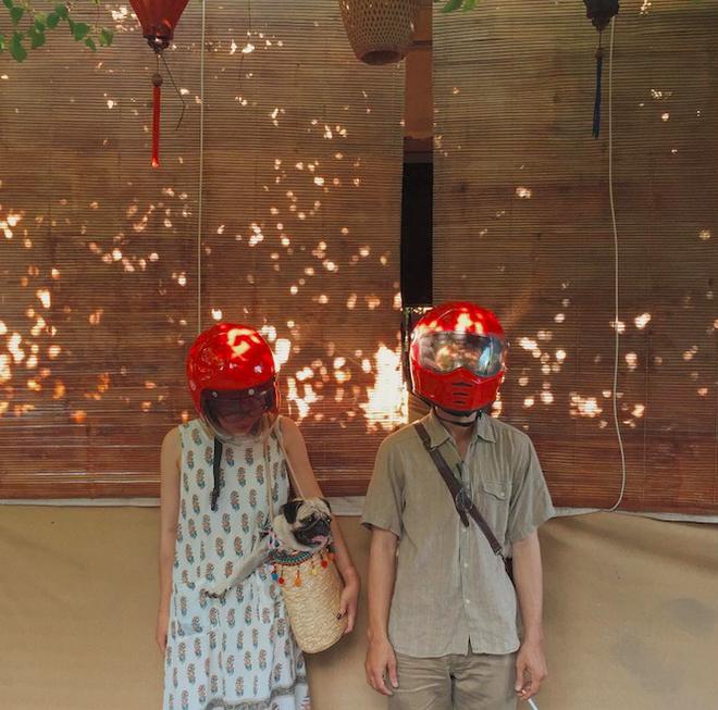 Cặp đôi giấu mặt, đội mũ bảo hiểm đỏ đang hot trên Instagram: Lên Đà Lạt vì thất tình ai ngờ gặp ngay chân ái! - Ảnh 3.