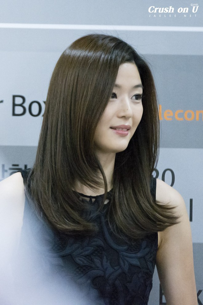 Có 4 kiểu tóc nhìn thì đơn giản nhưng sẽ giúp mặt bạn thon gọn đi trông thấy - Ảnh 1.