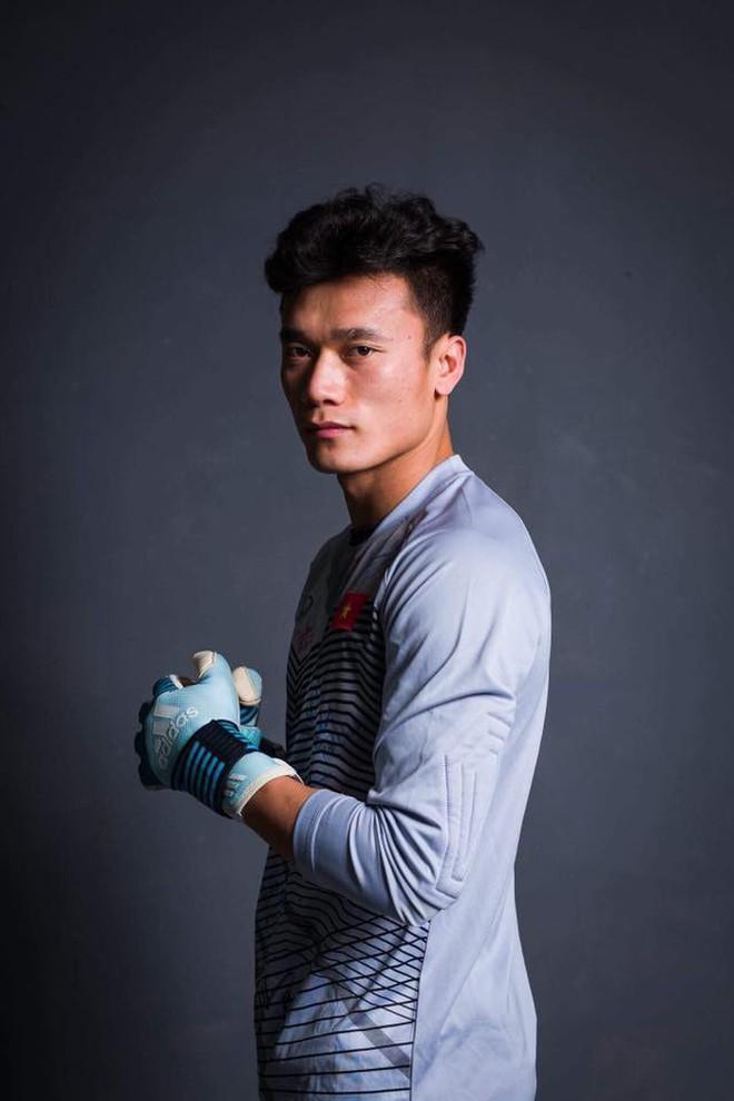 Tiến Dũng vs Lâm Tây: Ai cũng đẹp trai, 6 múi, tài năng... biết chọn ai bây giờ! - Ảnh 3.