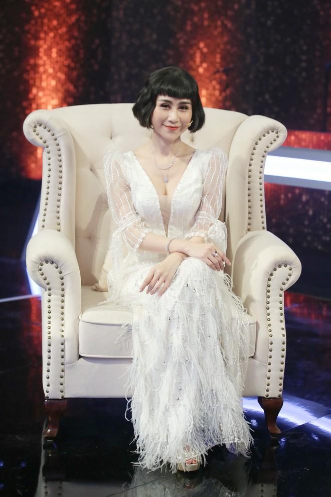 Đây là phản ứng của Hoàng Oanh khi được hỏi thăm về tình cũ Huỳnh Anh - Ảnh 1.