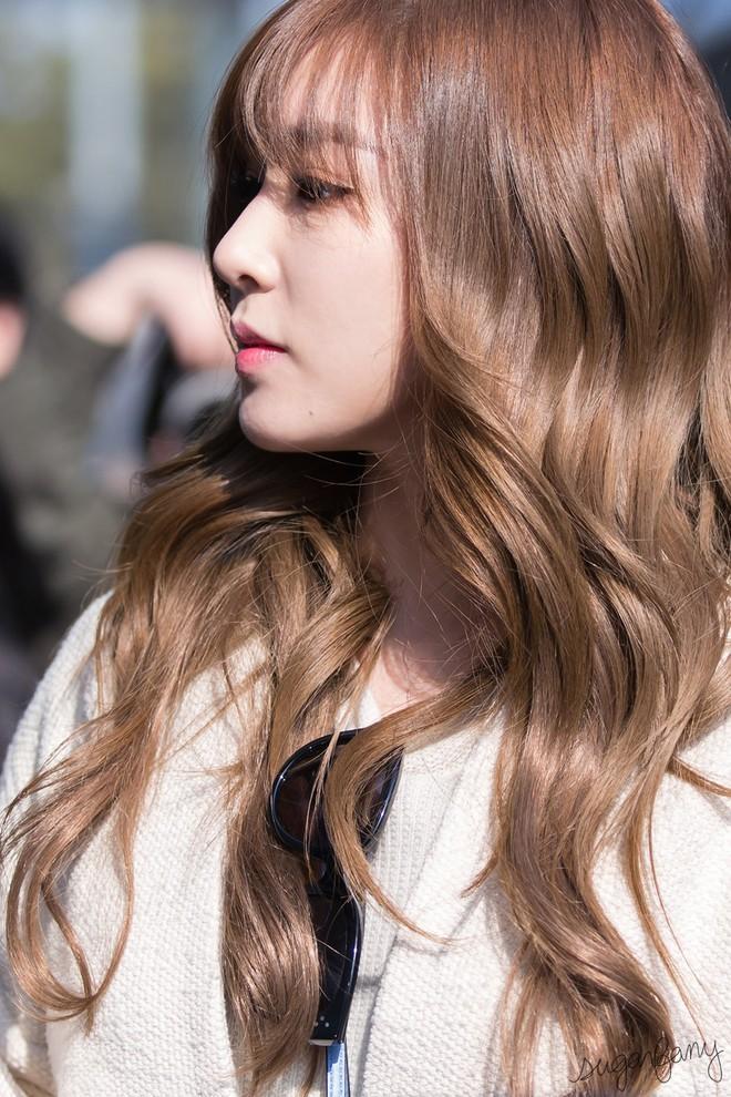 Nếu muốn để tóc nâu đẹp như sao Hàn, đây là 4 tông nhuộm nàng công sở không thể bỏ qua - Ảnh 2.