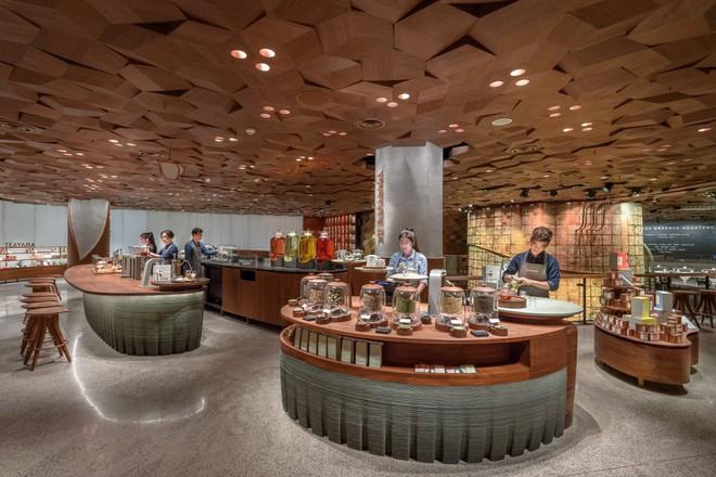 Bên trong cửa hàng Starbucks lớn nhất thế giới: điểm đến ao ước của mọi tín đồ cà phê - Ảnh 3.