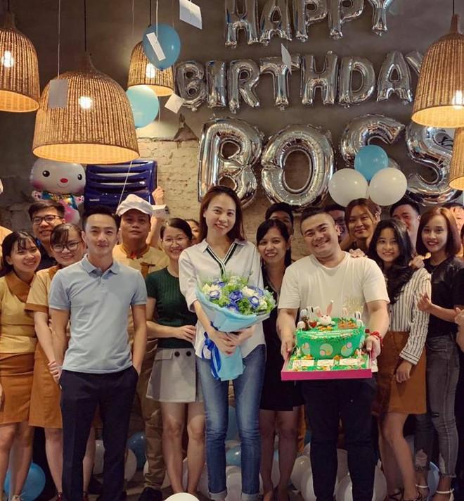 """Cường Đô La phá bỏ hình ảnh doanh nhân thường thấy, trổ tài """"diễn sâu"""" như nhân vật chính trong tiệc sinh nhật Đàm Thu Trang - Ảnh 2."""