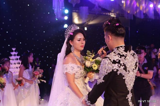 Siêu đám cưới 4 tỷ đồng ở Thái Nguyên: 13 năm bên nhau và niềm hạnh phúc sau bao sóng gió của cô dâu - Ảnh 6.