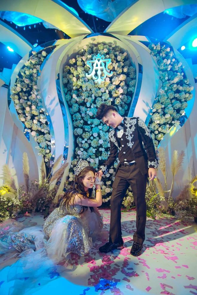 Siêu đám cưới 4 tỷ đồng ở Thái Nguyên: 13 năm bên nhau và niềm hạnh phúc sau bao sóng gió của cô dâu - Ảnh 7.