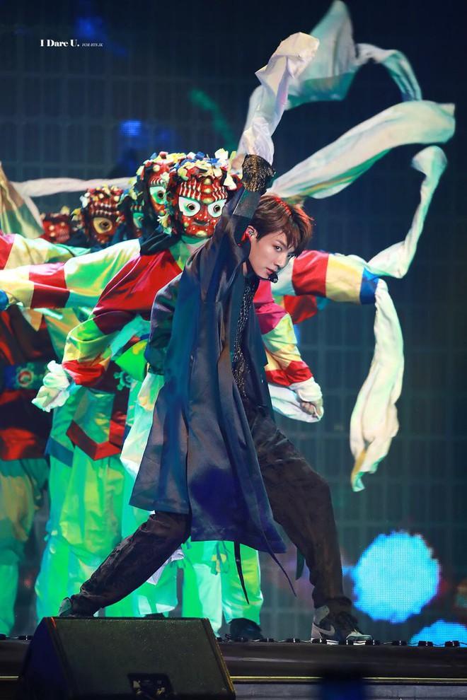"""Sao Kpop """"reaction"""" sân khấu đỉnh cao của BTS tại MMA 2018: Hầu hết đều có chung một biểu cảm, hành động đẹp của MAMAMOO được khen - Ảnh 1."""
