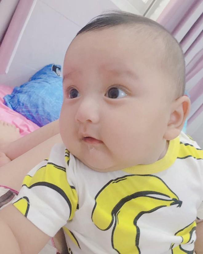Lâm Tây phiên bản 5 tháng tuổi: Bụ bẫm, tinh nghịch và thần thái chẳng thua gì nguyên mẫu - Ảnh 5.