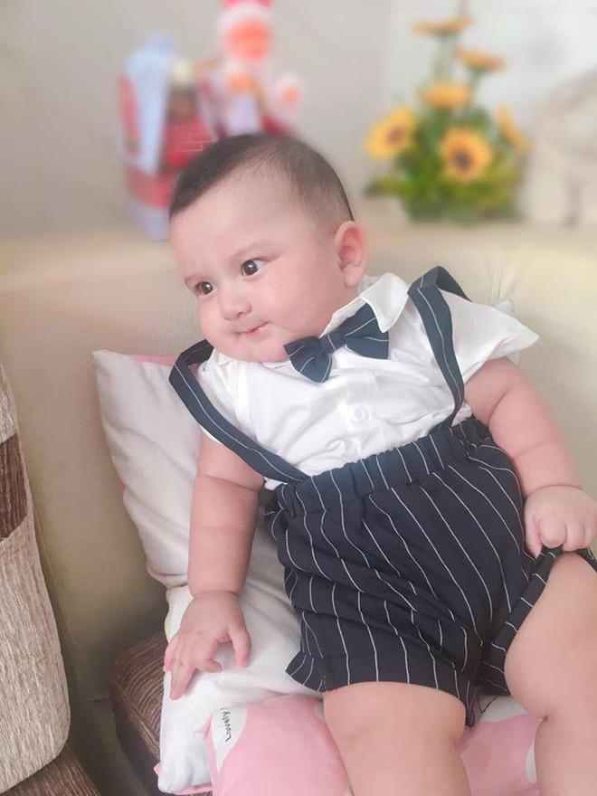 Lâm Tây phiên bản 5 tháng tuổi: Bụ bẫm, tinh nghịch và thần thái chẳng thua gì nguyên mẫu - Ảnh 4.