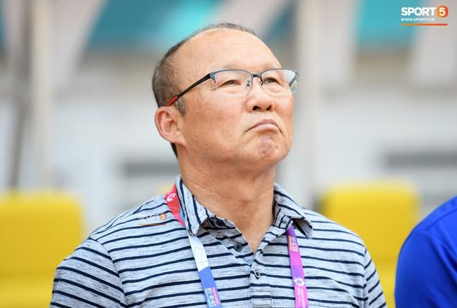 VFF không muốn mất 1 tỷ đồng tiền lương, HLV Park Hang-seo chỉ nên dẫn dắt ĐTQG hoặc U23 Việt Nam - Ảnh 2.