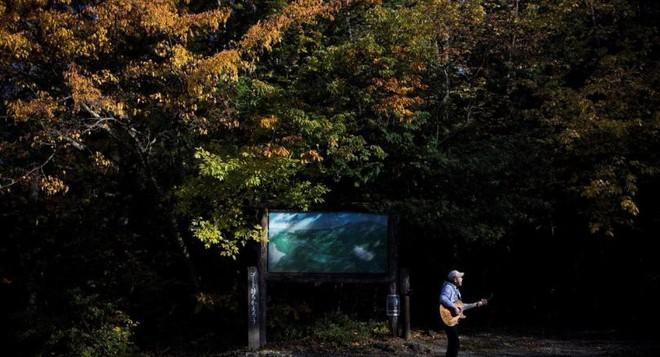 Người canh giữ khu rừng tự sát ở Nhật Bản: Hằng đêm vẫn cất lên tiếng hát để xoa dịu những tâm hồn bị tổn thương - Ảnh 3.