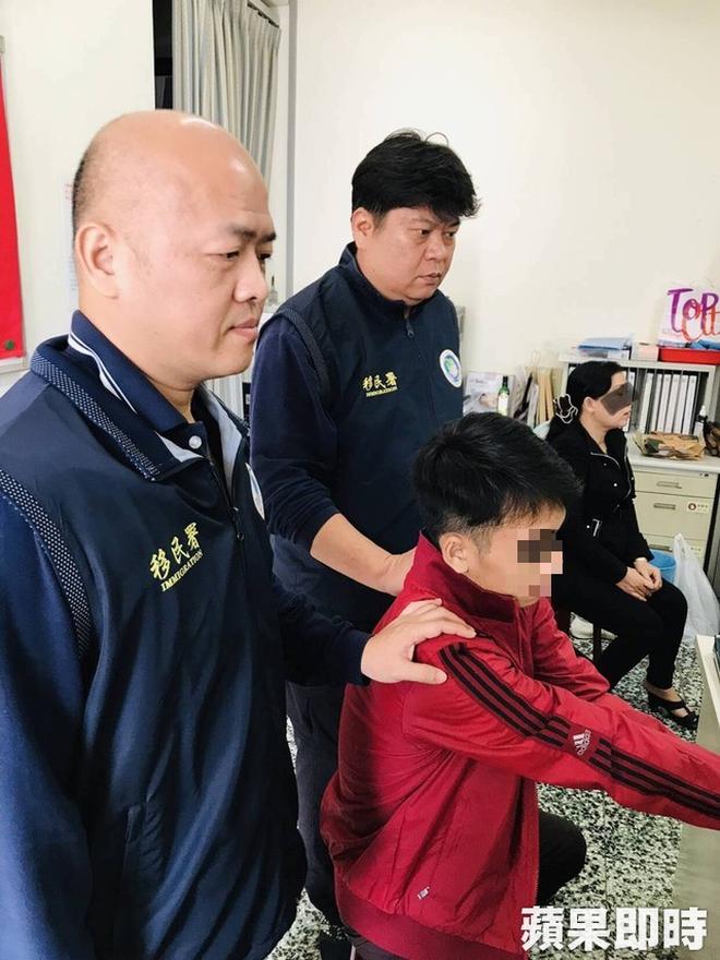 Bắt giữ được 8 du khách Việt Nam bỏ trốn tại Đài Loan, trong đó có 3 phụ nữ tự đến trình diện - Ảnh 3.