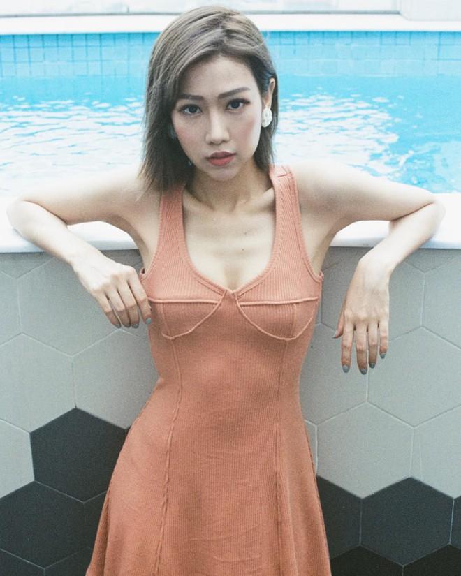 Min khoe ảnh mặc váy hở ngực trẻ trung nhưng lại khiến fan hốt hoảng vì thân hình quá đỗi tiều tuỵ - Ảnh 2.