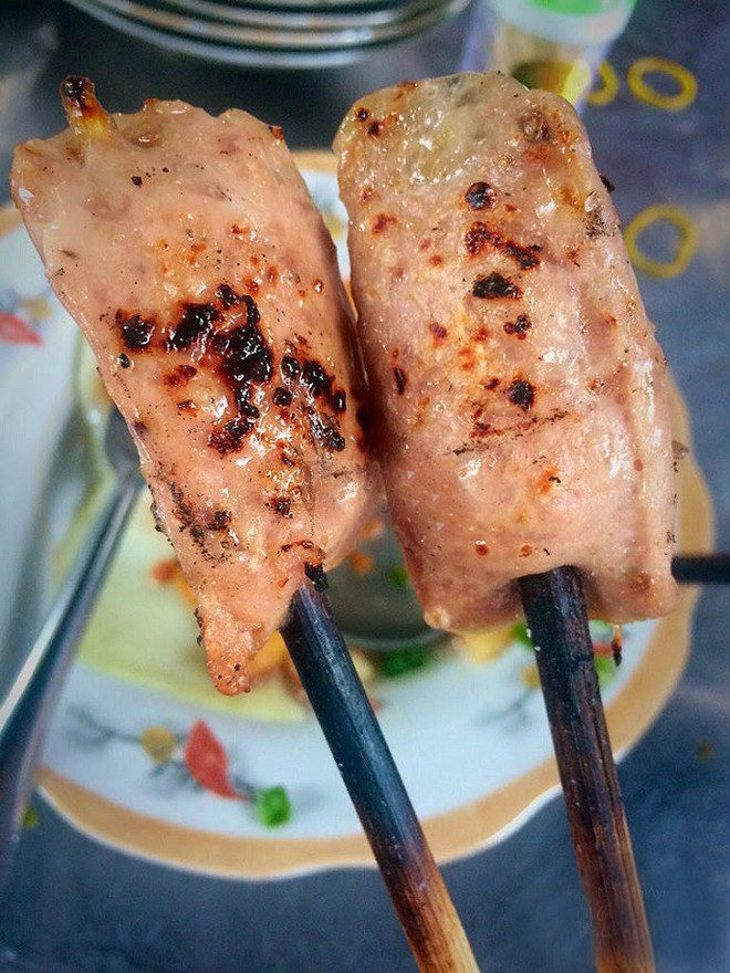 5 khu chợ chiều hội tụ đủ các món ăn vặt vừa ngon vừa rẻ ở Sài Gòn - Ảnh 10.