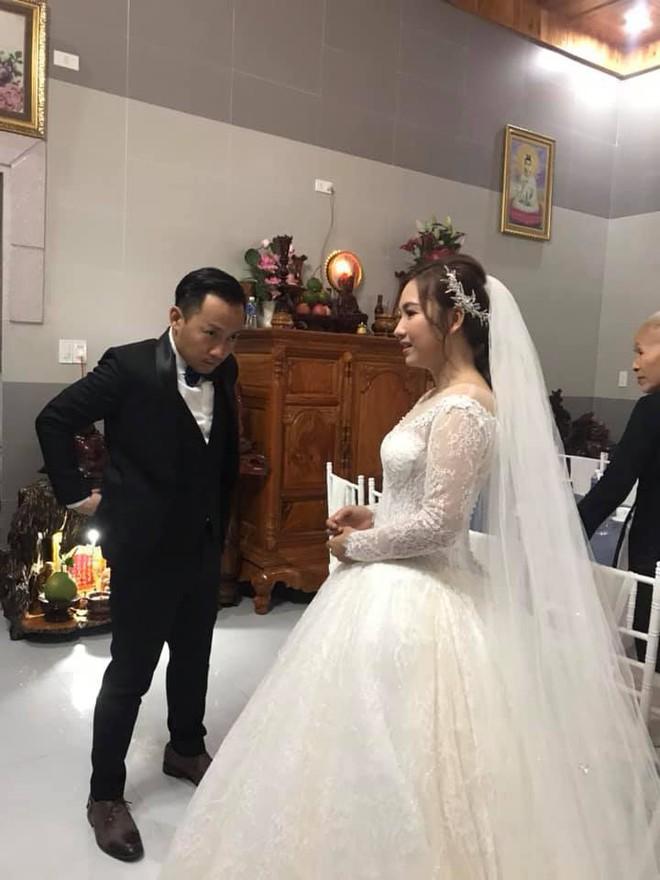 Loạt khoảnh khắc hiếm hoi trong ngày cưới của Tiến Đạt và bà xã 9x cuối cùng đã được hé lộ - Ảnh 4.
