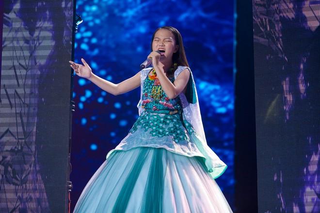 Giọng hát Việt nhí: Quỳnh Như lên ngôi Quán quân, Lưu Hương Giang - Hồ Hoài Anh lần thứ 3 chiến thắng - Ảnh 1.
