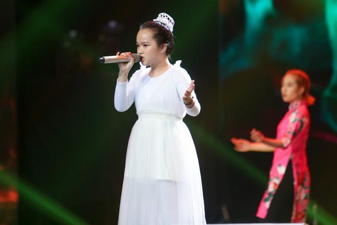Giọng hát Việt nhí: Quỳnh Như lên ngôi Quán quân, Lưu Hương Giang - Hồ Hoài Anh lần thứ 3 chiến thắng - Ảnh 7.