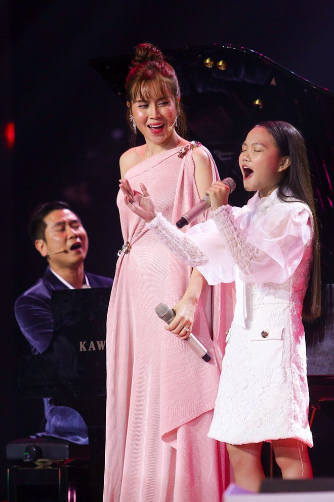 Giọng hát Việt nhí: Quỳnh Như lên ngôi Quán quân, Lưu Hương Giang - Hồ Hoài Anh lần thứ 3 chiến thắng - Ảnh 2.