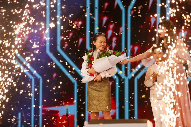 Giọng hát Việt nhí: Quỳnh Như lên ngôi Quán quân, Lưu Hương Giang - Hồ Hoài Anh lần thứ 3 chiến thắng - Ảnh 3.