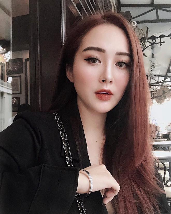 """2 chị em Hương Tràm gây """"lú"""" bởi đã xinh lên hình lại còn giống nhau! - Ảnh 9."""