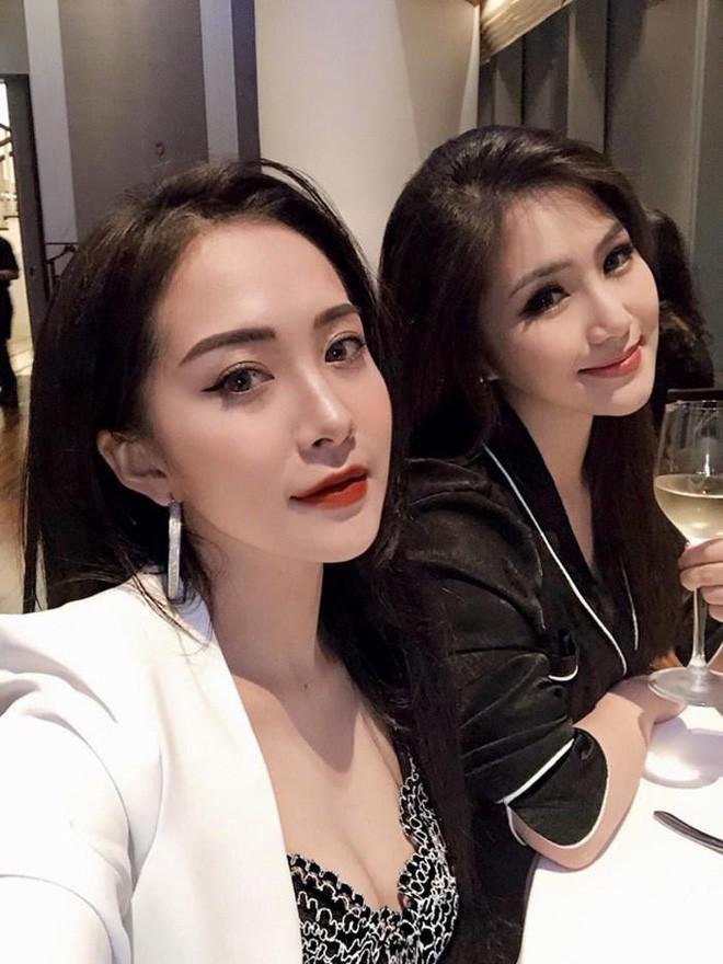 """2 chị em Hương Tràm gây """"lú"""" bởi đã xinh lên hình lại còn giống nhau! - Ảnh 7."""