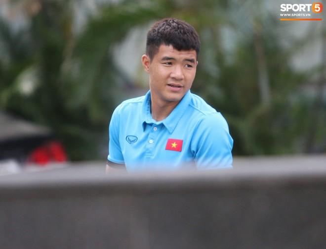 Tuyển Việt Nam bận rộn trong buổi sáng nghỉ ngơi hiếm hoi trước trận bán kết AFF Cup 2018 - Ảnh 7.