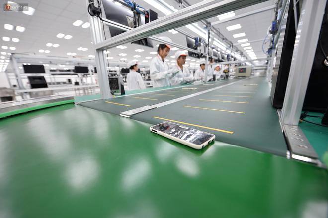 Đến thăm nhà máy sản xuất điện thoại Vsmart của Vingroup: Sang xịn mịn tiêu chuẩn quốc tế thế cơ mà! - Ảnh 3.