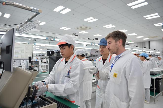 Đến thăm nhà máy sản xuất điện thoại Vsmart của Vingroup: Sang xịn mịn tiêu chuẩn quốc tế thế cơ mà! - Ảnh 4.