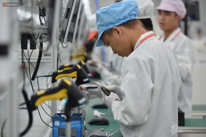 Đến thăm nhà máy sản xuất điện thoại Vsmart của Vingroup: Sang xịn mịn tiêu chuẩn quốc tế thế cơ mà! - Ảnh 5.