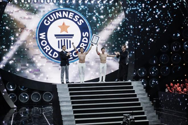 Anh em Quốc Cơ - Quốc Nghiệp xác lập kỉ lục Guinness Thế giới tại Ý với thành tích ấn tượng - Ảnh 7.