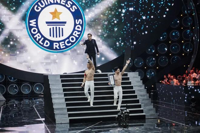Anh em Quốc Cơ - Quốc Nghiệp xác lập kỉ lục Guinness Thế giới tại Ý với thành tích ấn tượng - Ảnh 8.