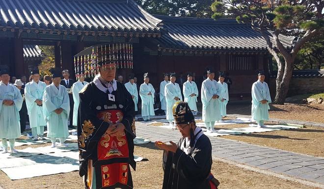 Hoàng tử thất lạc vừa được tấn phong của Hàn Quốc và câu chuyện đời ly kỳ như phim - Ảnh 4.