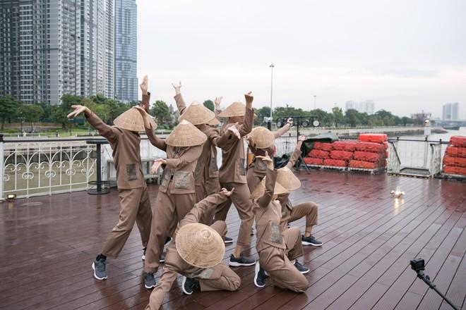 Hương Giang tái ngộ Chị Đại Asias Next Top Model tại TP.HCM - Ảnh 4.