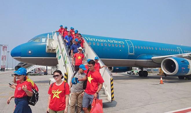 Việt Nam Malaysia: Vietnam Airlines tăng chuyến cho Chung kết AFF CUP - Ảnh 1.