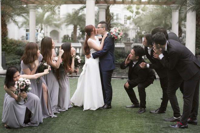 Em gái Trấn Thành kết hôn với bạn trai Hồng Kông, tung bộ ảnh cưới nhắng nhít cùng hội bạn thân - Ảnh 4.