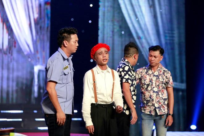Cười xuyên Việt: Nhóm Những Chàng Trai gây bất ngờ với hài kịch kinh dị kết hợp Bolero - Ảnh 3.