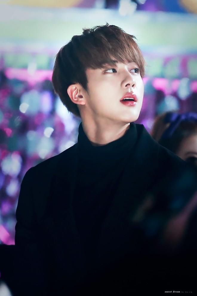 Đây là lý do tại sao người đồng tính Hàn Quốc điên cuồng vì mỹ nam hoàng tử của BTS - Ảnh 10.