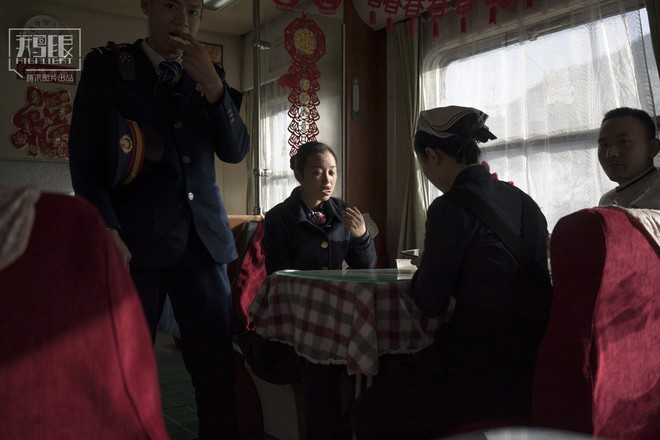 Những chuyến tàu cuối cùng về quê mùa Tết: Hành trình dài 26 tiếng từ Bắc Kinh về Thành Đô - Ảnh 18.