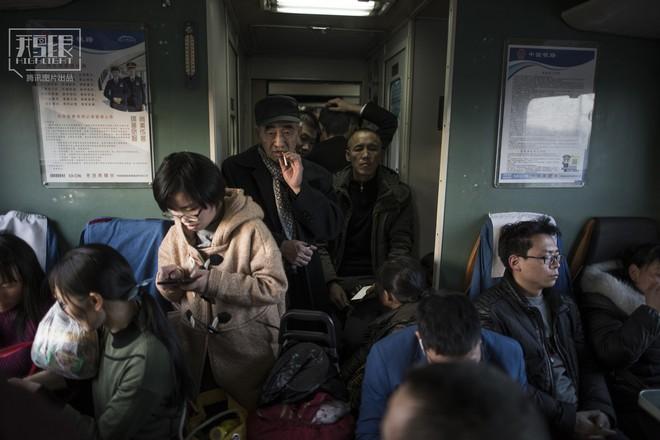 Những chuyến tàu cuối cùng về quê mùa Tết: Hành trình dài 26 tiếng từ Bắc Kinh về Thành Đô - Ảnh 6.