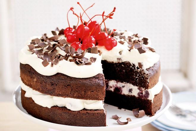 black-forest-cake-92535-1-15184983710361703963615.jpeg