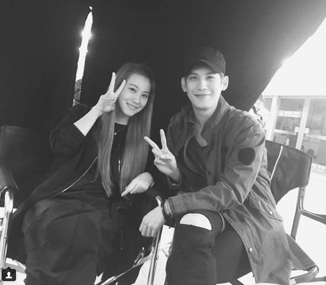 """Bản điện ảnh """"Cheese in the Trap"""" tung trailer đầu tiên: Hong Seol mới cực đẹp đôi với Park Hae Jin! - Ảnh 13."""