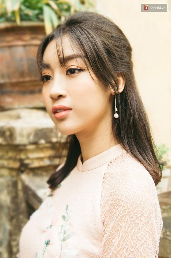 Hoa hậu Mỹ Linh kể chuyện Tết này vẫn ế, bật mí chi tiết về chuyến đi bão táp sang Trung Quốc cổ vũ U23 Việt Nam - Ảnh 7.