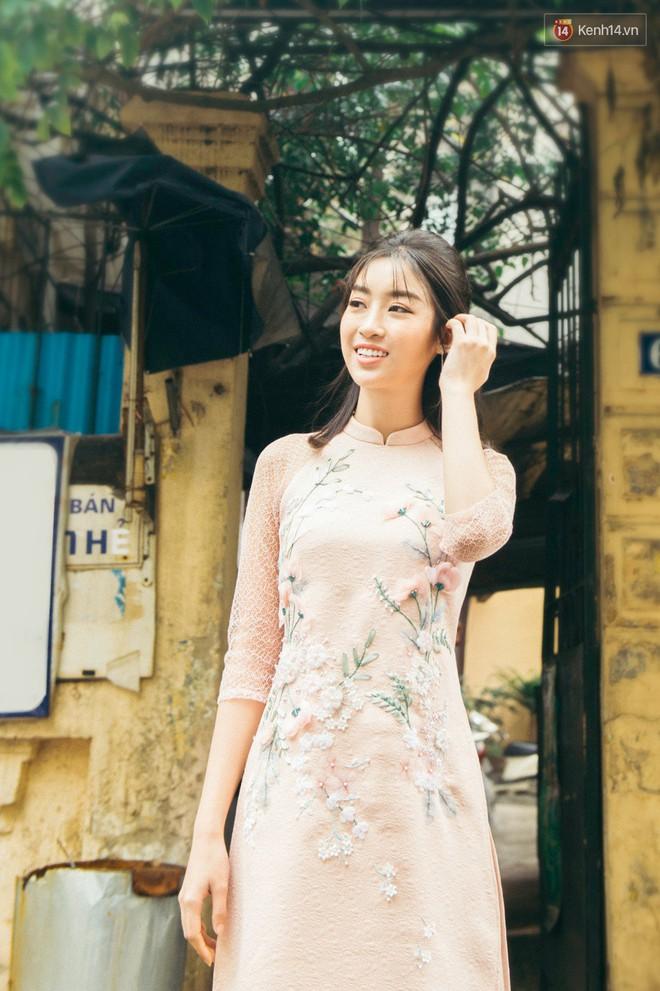 Hoa hậu Mỹ Linh kể chuyện Tết này vẫn ế, bật mí chi tiết về chuyến đi bão táp sang Trung Quốc cổ vũ U23 Việt Nam - Ảnh 10.
