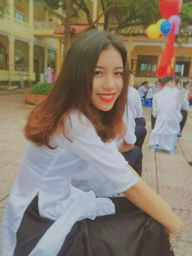 Tham gia hội đấu vật của làng, nữ sinh 2002 gây chú ý vì vừa xinh vừa khỏe